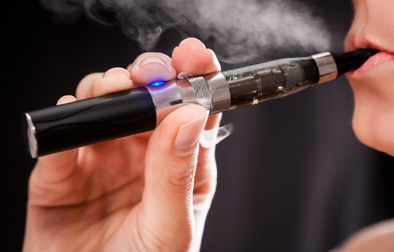 電子タバコだって要注意!シワやシミが辛すぎる「スモーカーズフェイス」